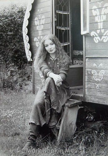 Mary Hopkin by Derek Shuff